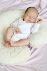 Fajnie jak poduszka może być też np. zdrowym gniazdkiem do odpoczynku dla naszego malucha