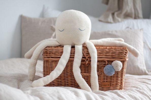 octopus M