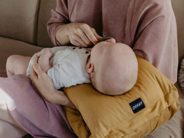 poduszka do karmienia na rękę